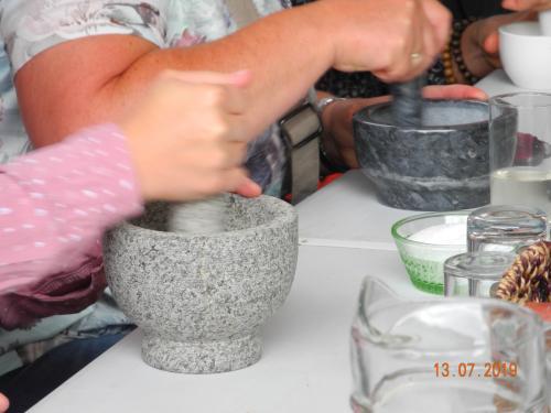 Kräutersalz-Herstellung